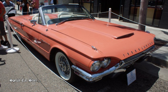 1964 Ford Thunderbird at Rodeo Drive Concours d'Elegance 2013