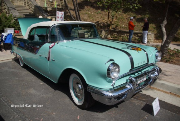 1955 Pontiac Star Chief Convertible at Greystone Mansion Concours d'Elegance