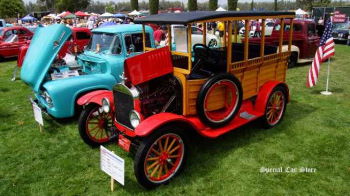 1925 Ford Model T - Depot Hack at Steve McQueen Car and Motorcycle Show 2014