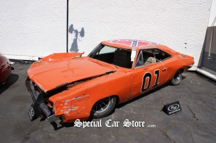 """1968 Dodge Charger """"General Lee"""" Jump Car - RM Auctions Icons of Speed & Style 2009"""